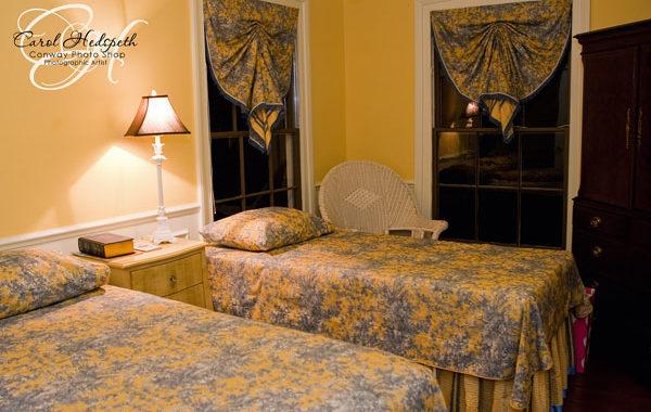 La Petite Maisonnette Room